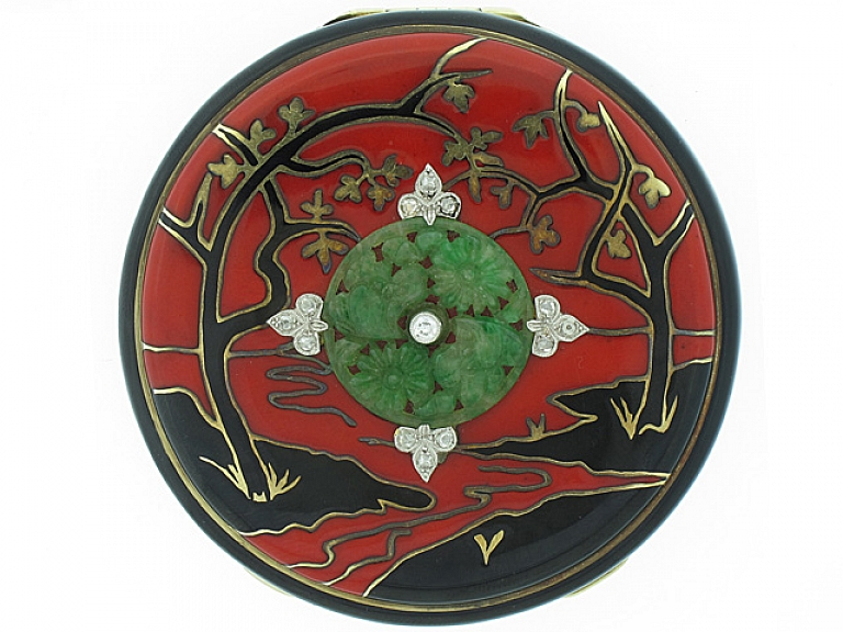 Video of Art Deco Chinoiserie Compact with Jade and Diamonds in 14K