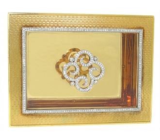 Exceptional Box with Diamond Detail in 18K