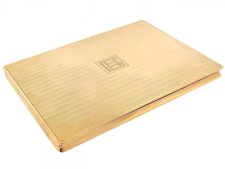 Video of Cartier Paris Retro Cigarette Box in 18K Gold