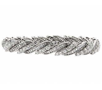 Diamond Barber Pole Bracelet in Platinum