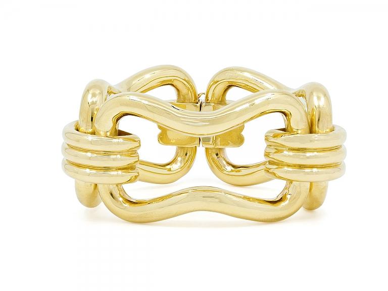 Video of Large Link Bracelet in 18K Gold