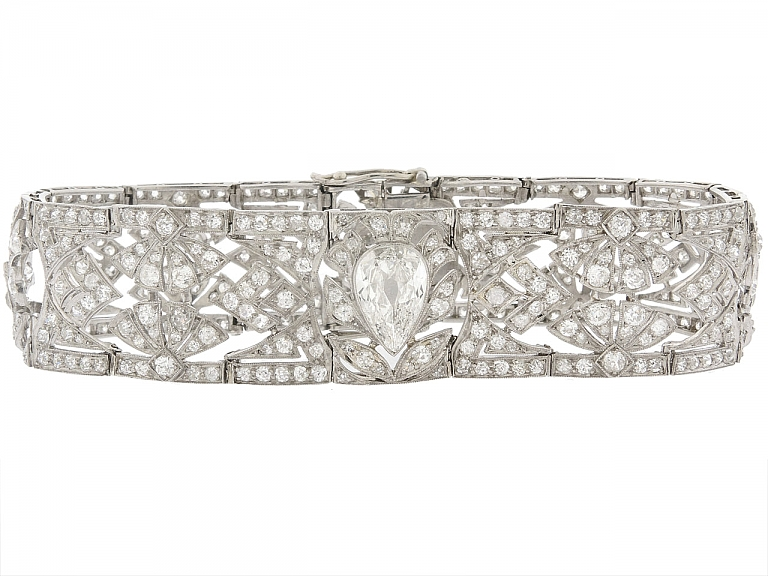 Video of Edwardian Diamond Bracelet in Platinum