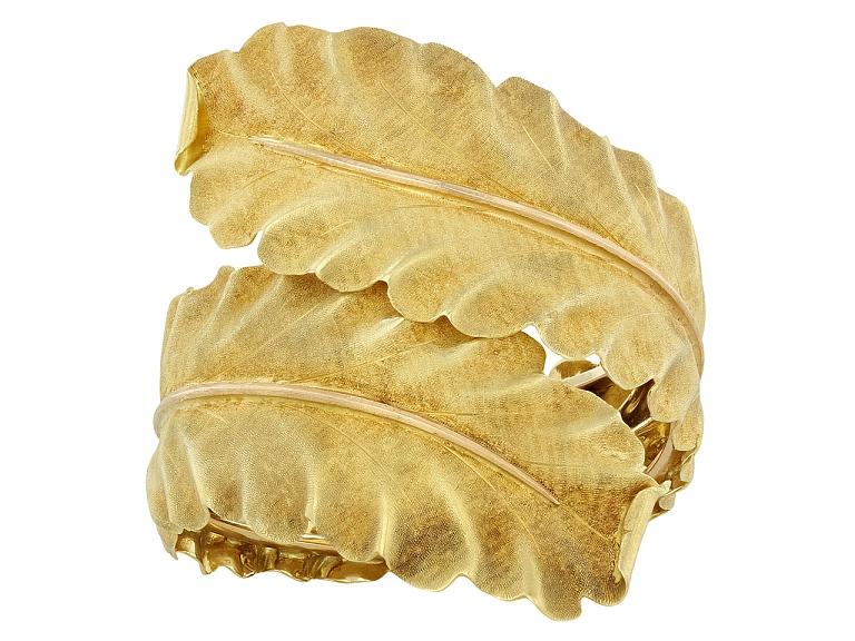 Video of Buccellati Leaf Bangle Bracelet in 18K Gold
