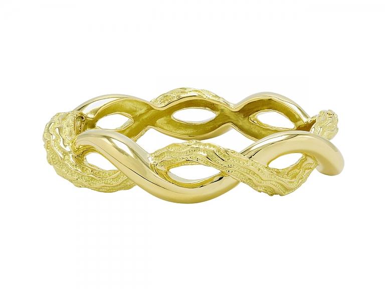 Video of Tiffany & Co. Retro Bangle Bracelet in 18K Gold