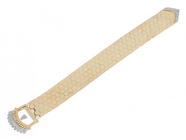 Retro Diamond Buckle Bracelet in 18K Gold