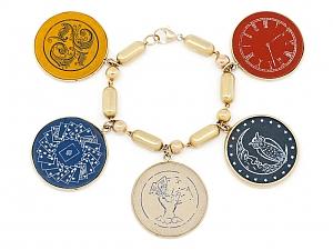 Poker Chip Bracelet in 18K Gold