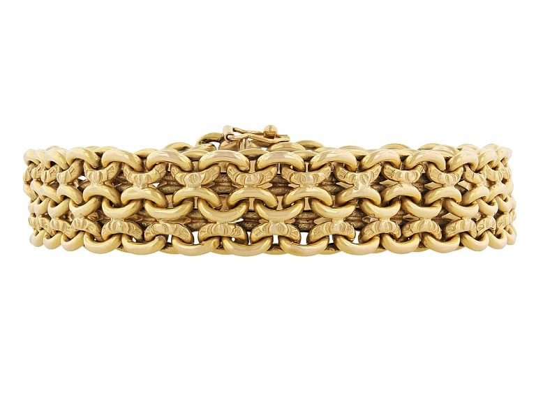 Video of French Link Bracelet in 18K