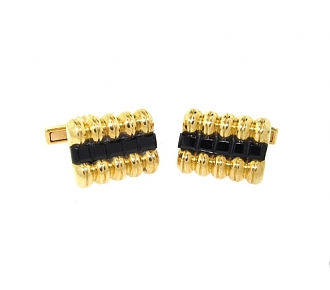 Charles Gold & Co. Black Onyx Cufflinks in 18K