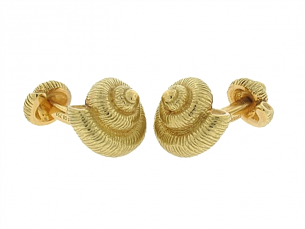 Tiffany & Co. Seashell Cufflinks in 18K