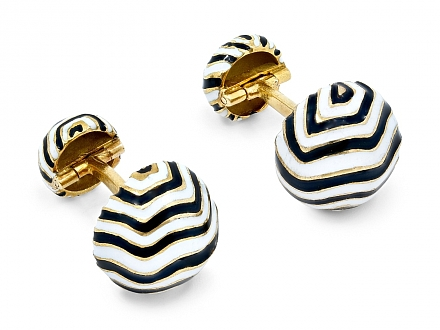 David Webb Black and White Enamel Cufflinks in 18K Gold