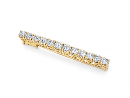 Boucheron Diamond Pin in 18K Gold