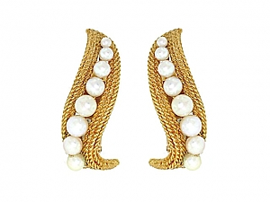 David Webb Pearl Earrings in 18K