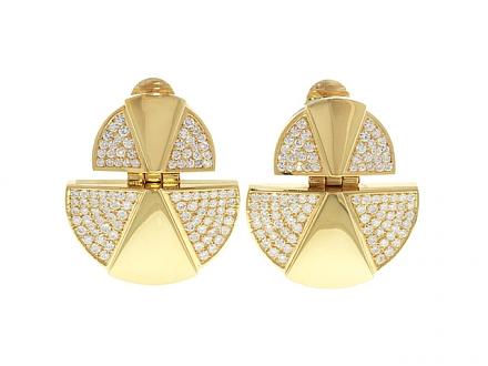 Modernist Style Diamond Earrings in 18K