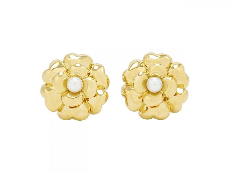 Video of Chanel Camellia Pearl Earrings in 18K Gold