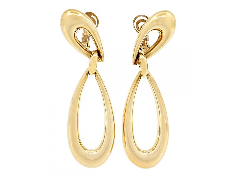 Video of Boucheron Dangle Earrings in 18K Gold