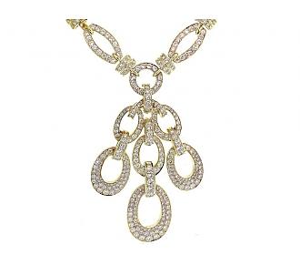 Diamond Link Necklace with Diamond Pendant in 18K