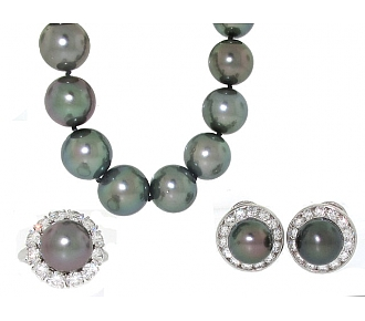 Harry Winston Tahitian Pearl and Diamond Set in Platinum and 18K