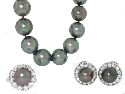 Harry Winston Tahitian Pearl and Diamond Set in Platinum and 18K