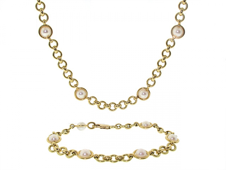 Video of Tiffany & Co. Pearl Necklace and Bracelet in 18K