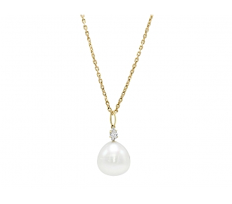 South Sea Pearl and Diamond Chain Pendant in 18K Gold
