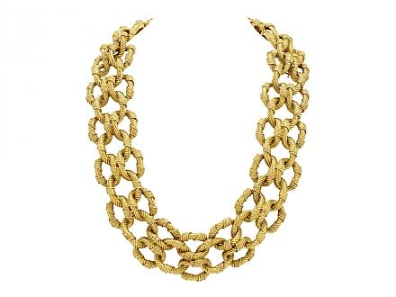 Set of Van Cleef & Arpels Link Necklace and Bracelet in 18K Gold