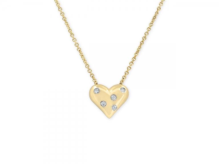 Video of Tiffany & Co. 'Etoile' Diamond Heart Pendant in 18K Gold