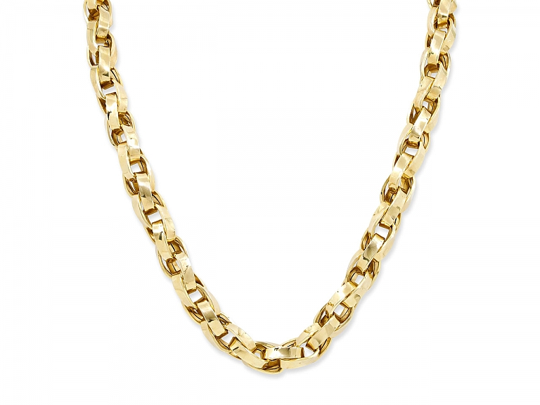 Video of Large Link Necklace in 18K Gold