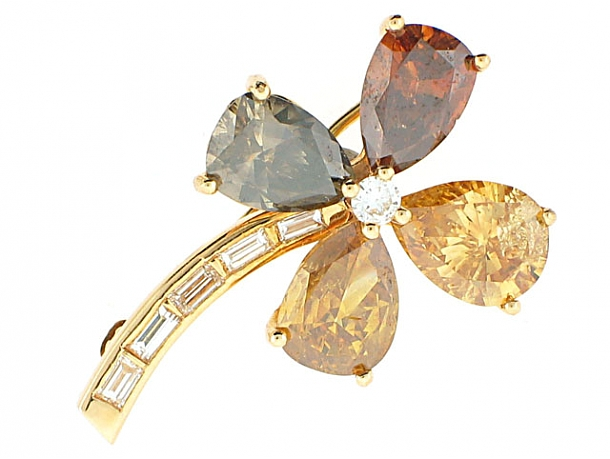 Fancy Yellow and Cognac Diamond Four Leaf Clover Brooch in 18K