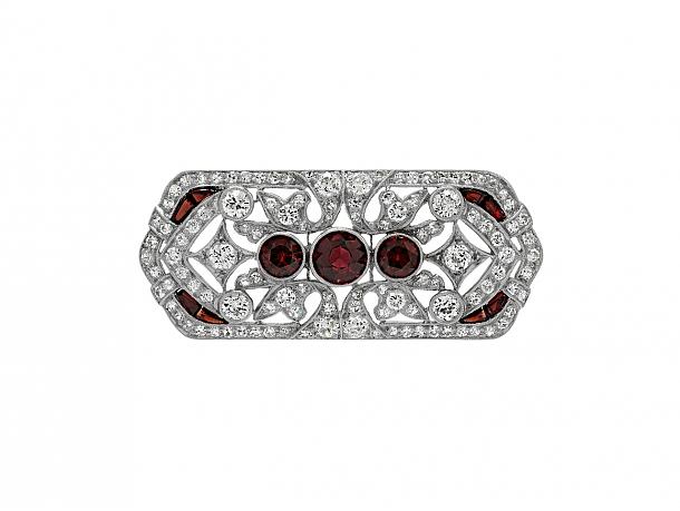 Art Deco Garnet and Diamond Brooch in Platinum