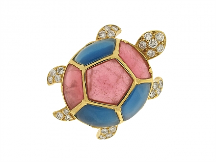 Van Cleef and Arpels Turtle Brooch in 18K