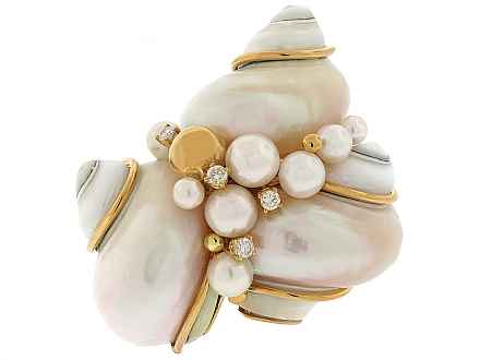 Seaman Schepps Triple Turbo Shell Brooch in 18K