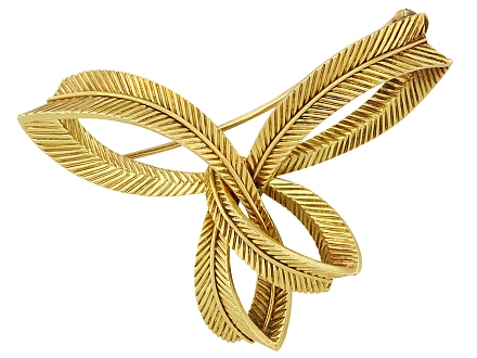 Van Cleef & Arpels Ribbon Brooch in 18K Gold
