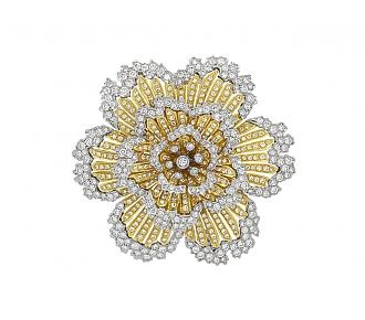 Diamond Flower Brooch in 18K Gold