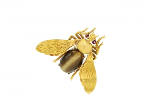 French Fly Pin in 18K Gold