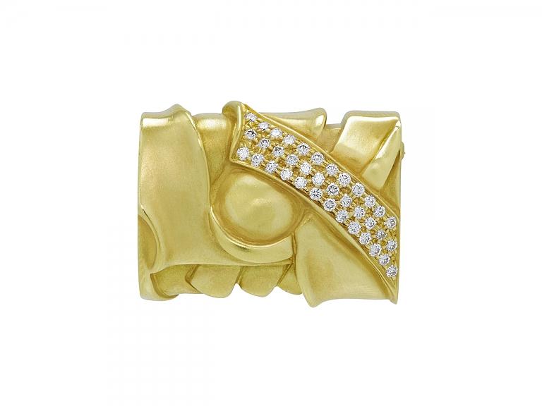 Video of Kieselstein-Cord Geometric Diamond Brooch in 18K Gold