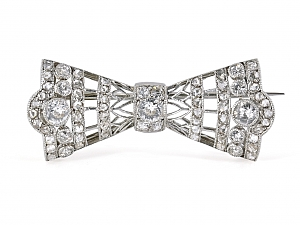 Antique Diamond Bow Pin in Platinum