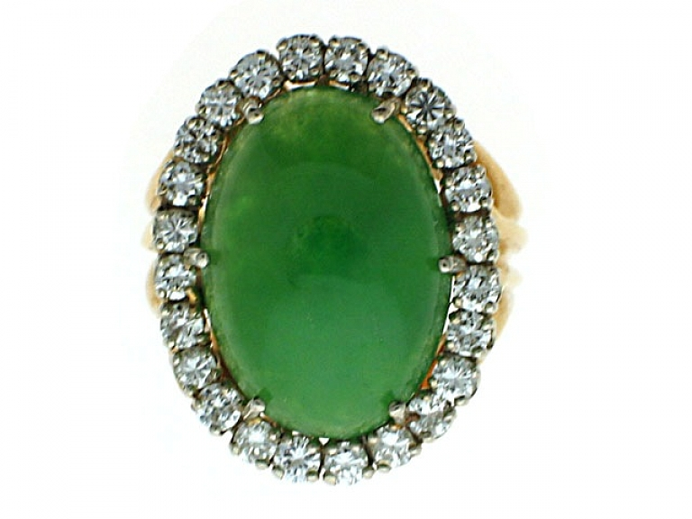 Video of Green Jadeite and Diamond Ring in 18K