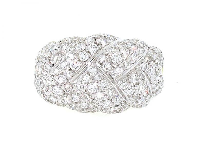 Video of Diamond Ring in 18K
