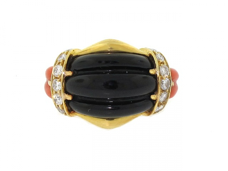 Video of Black Onyx, Coral and Diamond Ring in 18K