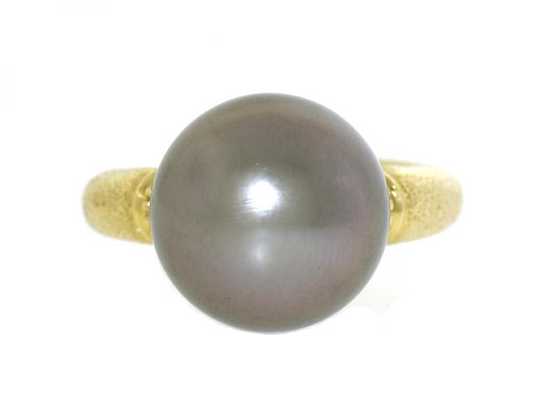 Video of Tahitian Pearl Ring in 18K