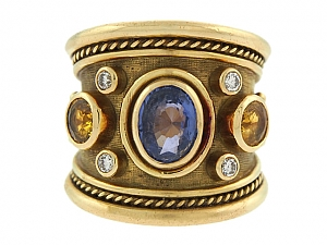 Elizabeth Gage Sapphire 'Tapered Templar' Ring in 18K Gold