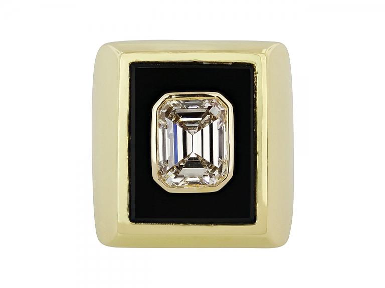 Video of Van Cleef & Arpels Emerald-cut Diamond, 3.23 Carat G/VS-2, Ring in 18K