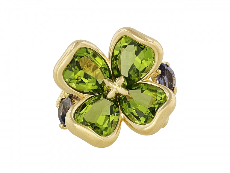 Video of Chanel Peridot and Iolite Clover Flower Ring in 18K