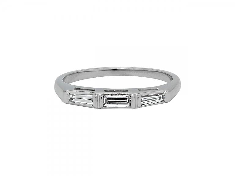 Video of Baguette Diamond Ring in Platinum