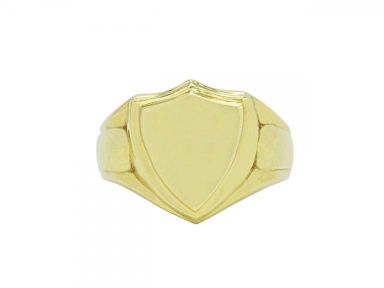 Video of Beladora 'Bespoke' Shield Signet Ring in 18K Gold