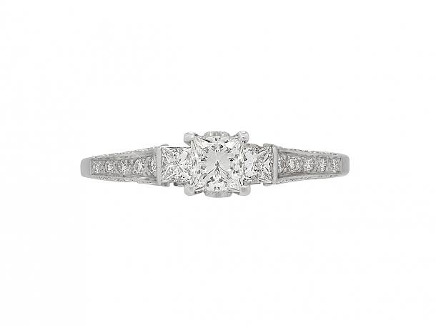 Princess-cut Diamond Ring in 18K Gold
