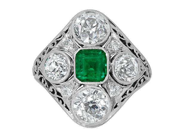 Edwardian Emerald and Diamond Ring in Platinum