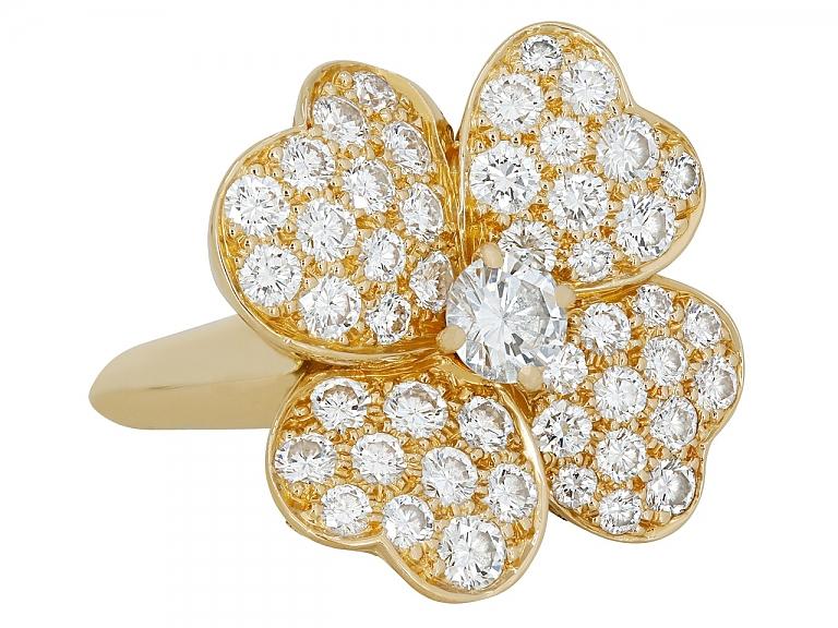 Video of Van Cleef & Arpels 'Cosmos' Diamond Ring in 18K Gold, Medium Model