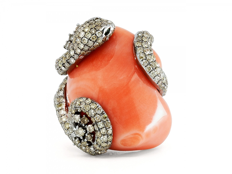 Video of Lorraine Schwartz Coral and Diamond Snake Ring