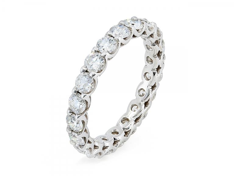 Video of Diamond Eternity Band in 18K White Gold